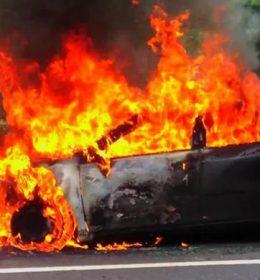 Teror Pembakaran Mobil